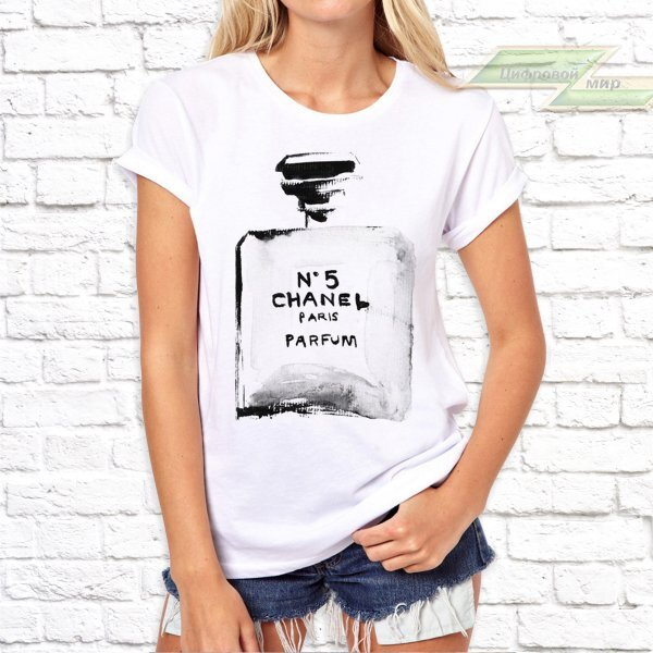 5f8094ac4f04 Женская футболка с фото «Chanel № 5»
